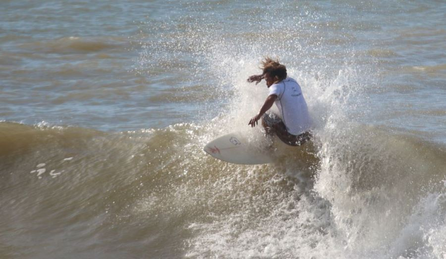CRAIG JOHNSON OF CAPE TOWN SURFRIDERS Feat