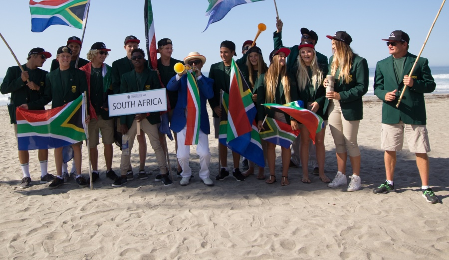 The 2015 South Africa Junior Surfing Team with ISA President Fernando Aguerre at the VISSLA ISA World Junior Championships in Oceanside California on Sunday Photo: ISA / Chris Grant
