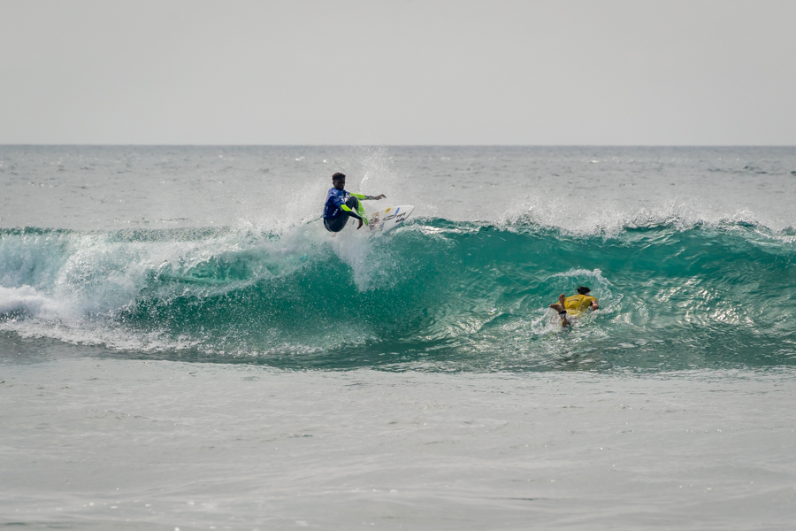 Ntando Msibi in action during the Aloha Cup event at the VSSLA ISA World Junior Surfing Championship in Oceanside, California on Saturday. Photo: ISA / Sean Evans