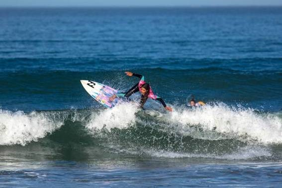 Tanika Hoffman(Hout Bay) on her way to clinching the women's title at the Cape Town Pro at Big Bay, Bloubergstrand on Sunday Photo: WSL / Van Gysen