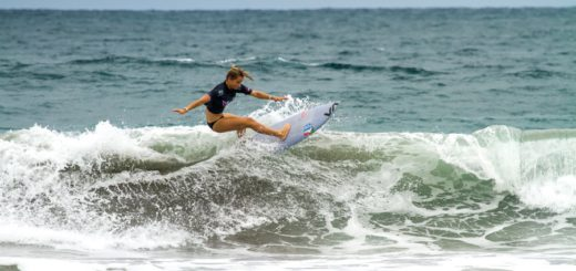 Pictured: South African surfing team captain Faye Zoetmulder (Cape St Francis) in action during her opening heat at the INS ISA World Surfing Games at Jaco Beach in Costa Rica on Monday Photo: ISA / Jimenez